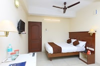 OYO 13424 Hotel Anushka