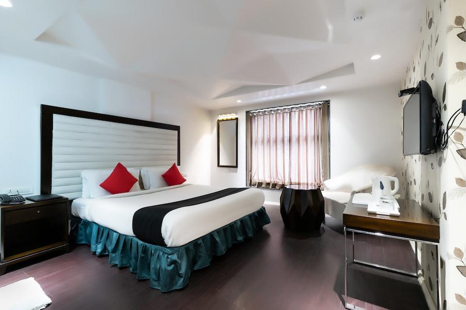 Capital O 13479 Hotel Grand Nakshatra
