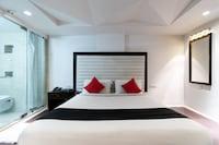 Capital O 13479 Hotel Grand Nakshatra Deluxe