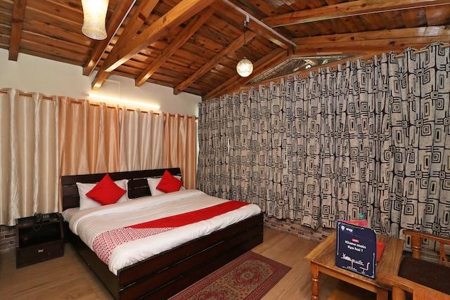 OYO 13486 Bhavya Heritage Inn