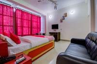 OYO 13490 Hotel Aniket Deluxe
