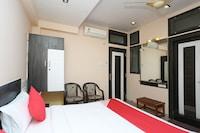 OYO 13546 Hotel City Palace