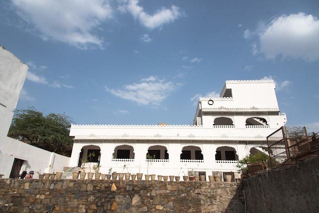 OYO 13570 Home Heritage Stay Kodiyat Marg