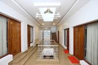OYO 13607 Sri Akilambiga Residency