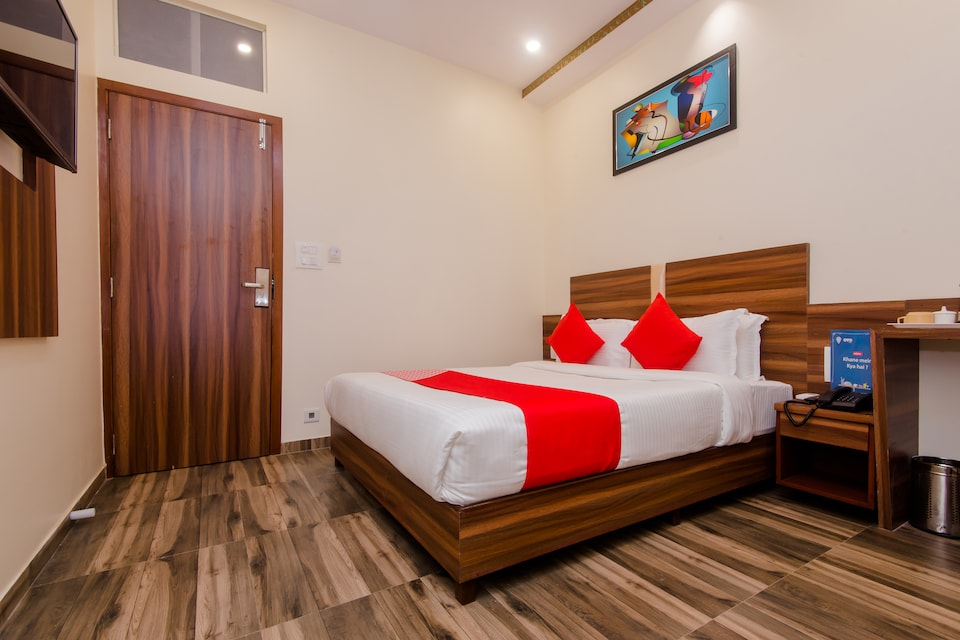 OYO 13614 Hotel Axis International