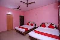 OYO 13624 Kapoors Plaza Guest House Deluxe