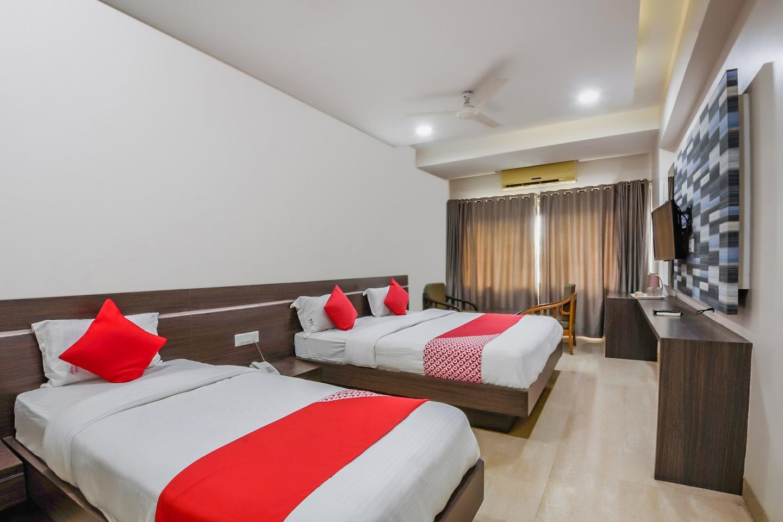 OYO 13647 Hotel Kohinoor Plaza -1