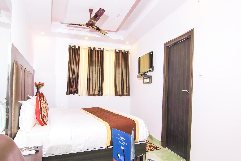 OYO 13652 Hotel Rajput -1