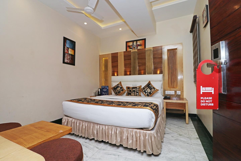 OYO 13653 Hotel Hari Piorko Grand -1