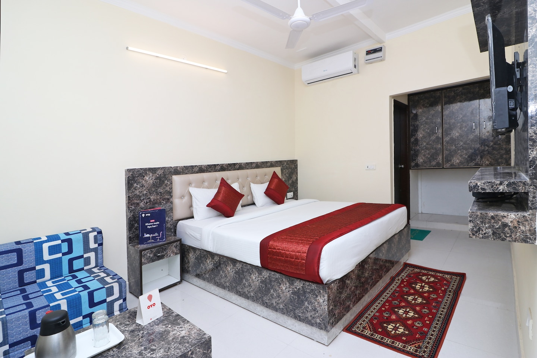 OYO 13658 Hotel Tanish Palace -1