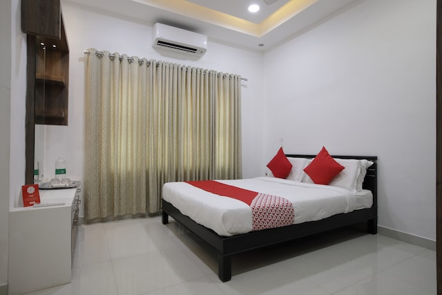 OYO 13659 Home Modern 2 BHK Edapally