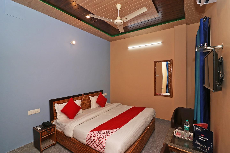 OYO 13686 Rudraksh hotel -1