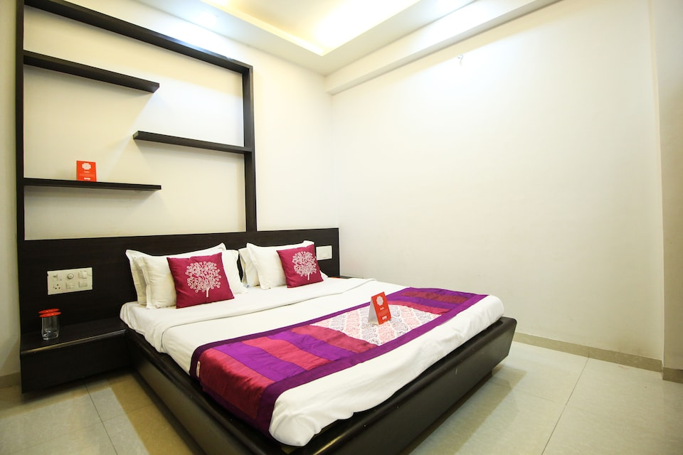OYO 2587 Shree Nivas Apartments