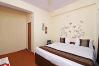 OYO 13728 Hotel Trisha