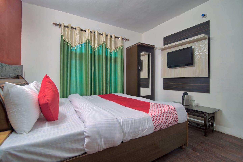 OYO 13736 Hotel Stay Well -1
