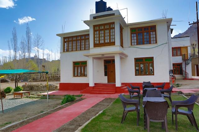 OYO 13759 Hotel Galwan Palace