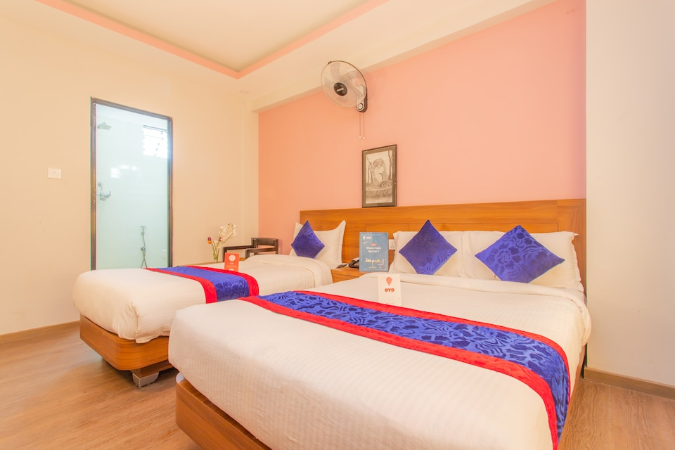 OYO 136 Hotel Om Plaza