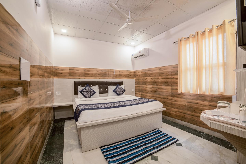 OYO 13772 hotel krishna -1