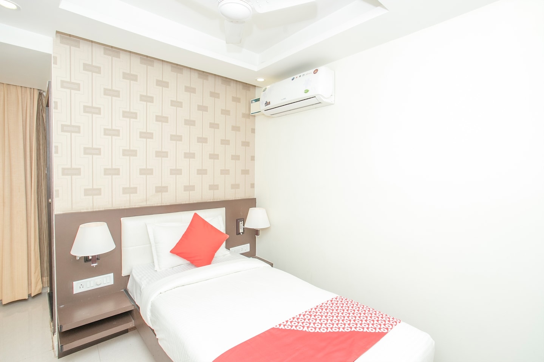 OYO 13786 Rekha Residency -1