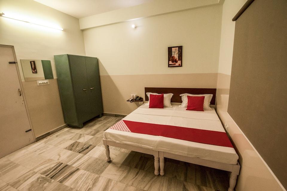 OYO 13790 Hotel Satya Regency, Raja Park Jaipur, Jaipur