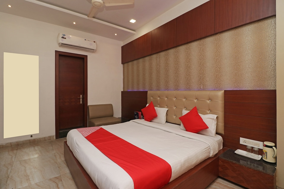 Capital O 2594 Hotel Kanchan Residency