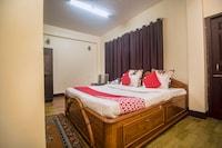 OYO 13844 AKD Hotel