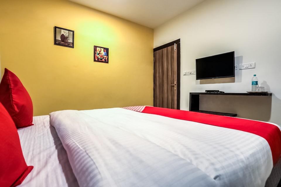 Capital O 13869 Hotel Saharsh Grand