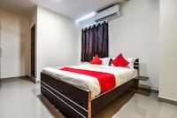 Capital O 13869 Hotel Saharsh Grand