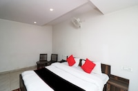 Capital O 33335 Hotel Shagun Residency