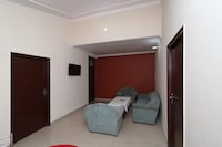OYO Home 13896 Spacious Cottage 2BHK