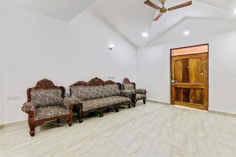 OYO Home 13914 Graceful studio -1