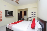 OYO 13924 Shree Gopal Residency