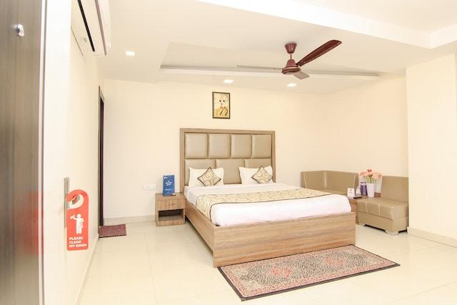OYO 13932 Hotel Pushpanjali Deluxe