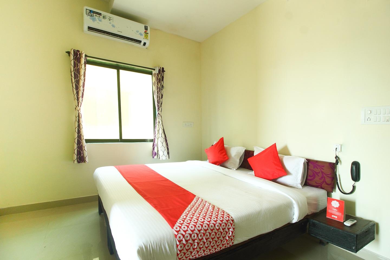 OYO 13940 Shivaji Palace -1