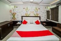 OYO 14022 Hotel Saya Inn