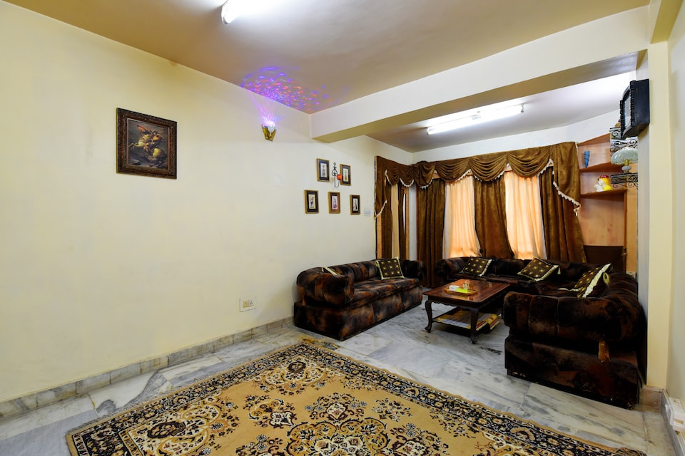 OYO Home 14045 Peaceful 3BHK