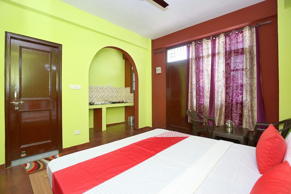 OYO Home 14048 Cozy Studio Nahan Kasauli