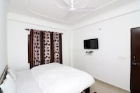 OYO Home 14052 Exotic 1BHK Cottage Bhimtal Haldwani Road