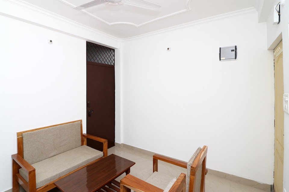 OYO Home 14058 Cozy Cottage 1BHK