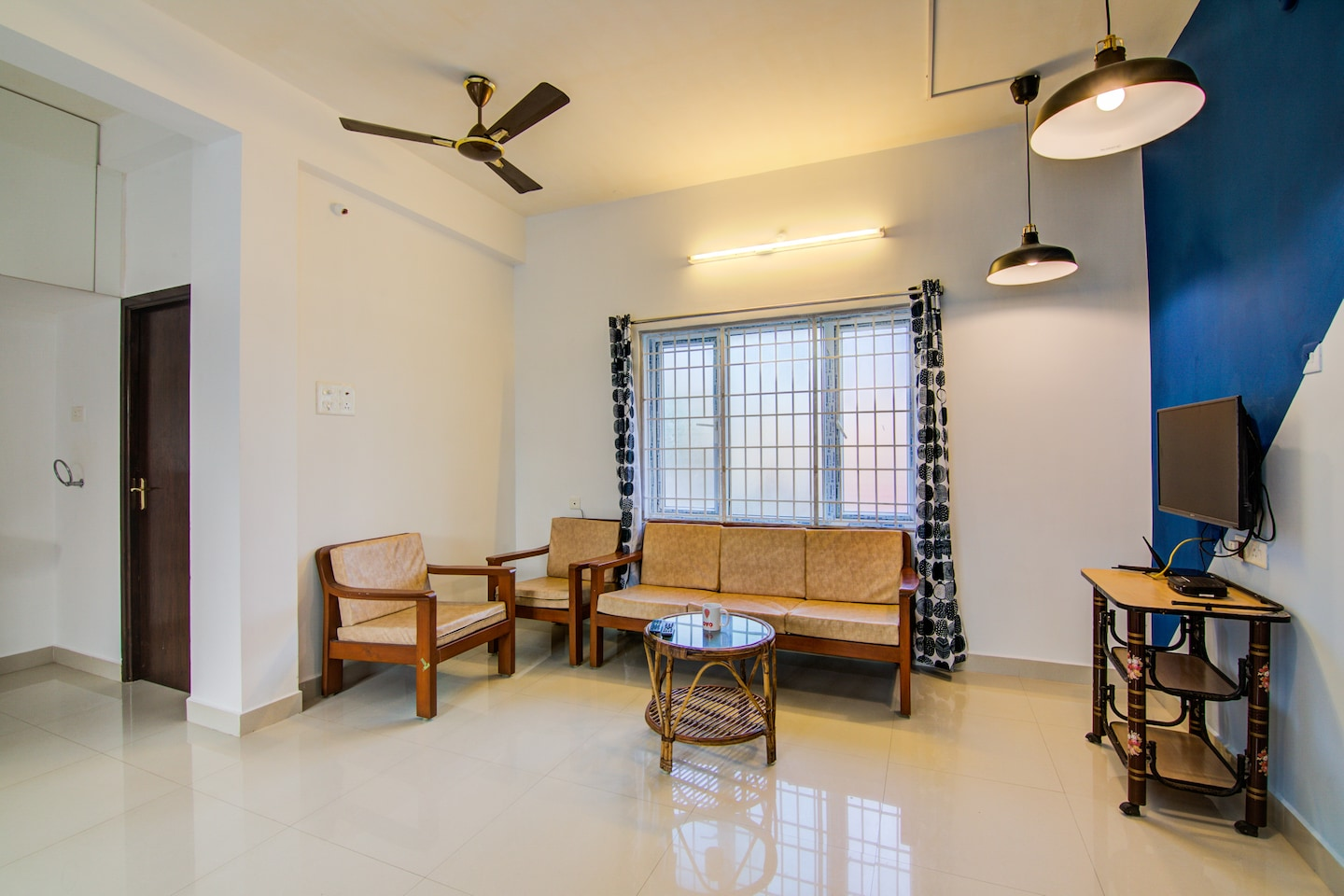 OYO 14109 Home Modern 2BHK Heritage Town -1