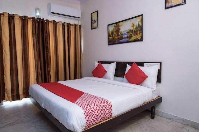 OYO 14118 Hotel Kalika Palace