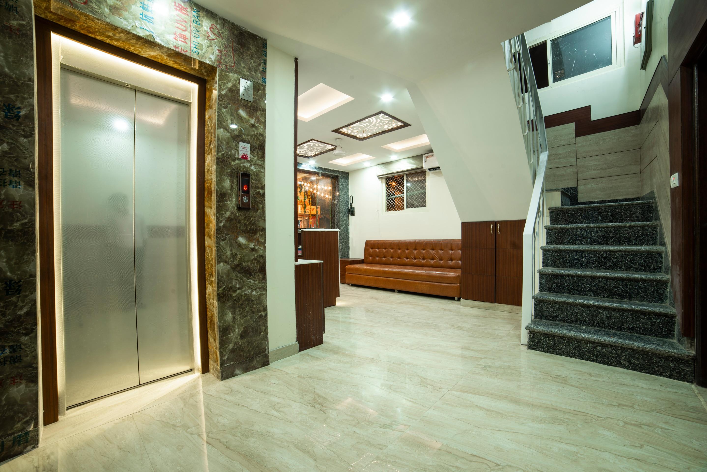 Oyo 14136 Hotel Toto International New Delhi Hotel Booking - Reviews ...