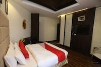 OYO 14170 Kufri Star Inn Deluxe