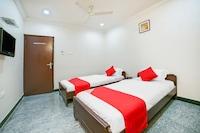 OYO 14178 Hotel Sea City