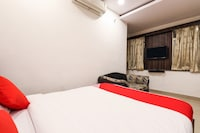 OYO 14194 Hotel Deccan Lodging and Boarding Deluxe