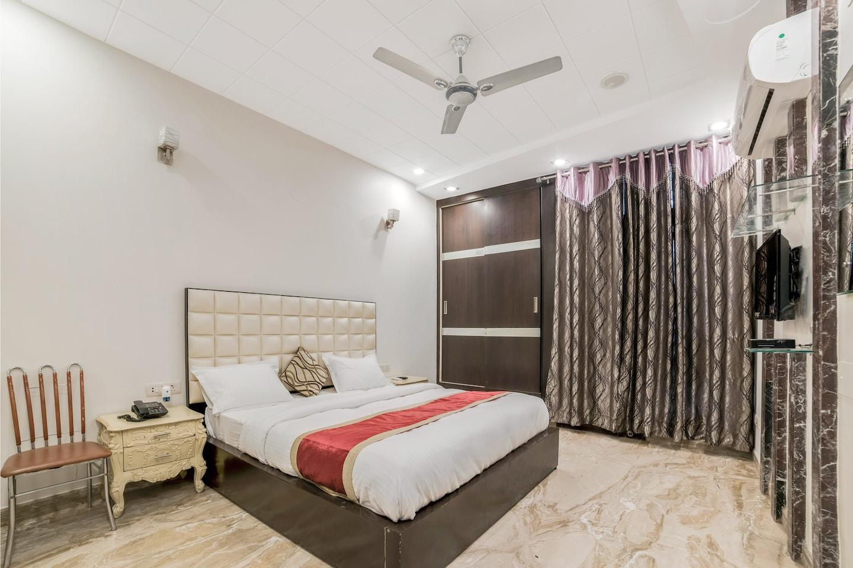 OYO 14231 Santosh Residency -1
