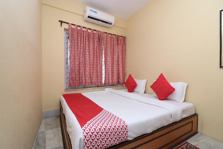 OYO 14232 Behala Guest House -1