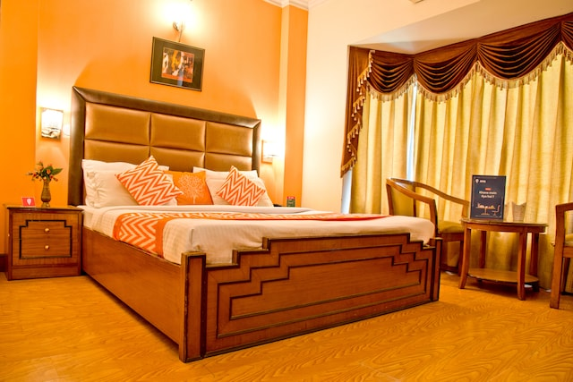 OYO Rooms 117 DLF Square