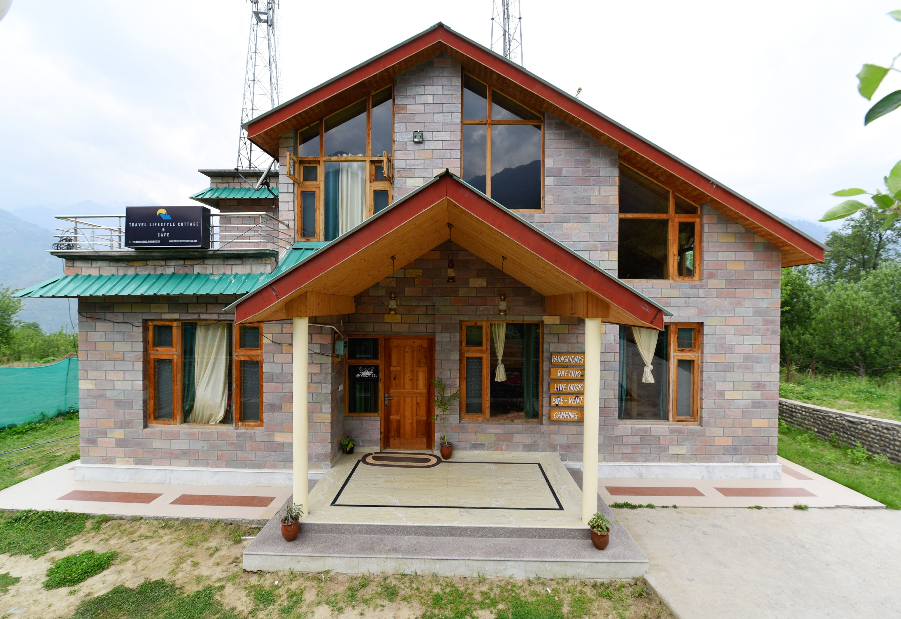 Book OYO 14303 Home Farm View 4BHK Naggar Road in Manali