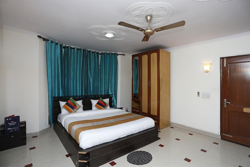 OYO 14306 Hotel The Tavern, Cyber City, Gurgaon